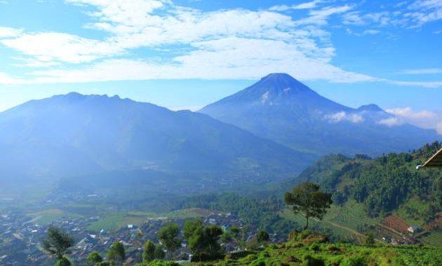 Pemandangan dari Gardu Pandang Tieng, wisata terdekat dengan Afinda Homestay