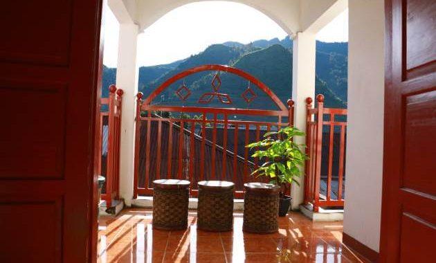 HS Homestay dengan view pemandangan pegunungan dari lantai 2