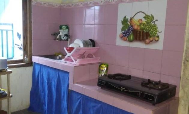 Dapur lengkap dengan alat-alat memasak